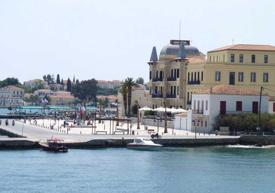 Tours In Greece : Port of Spetses
